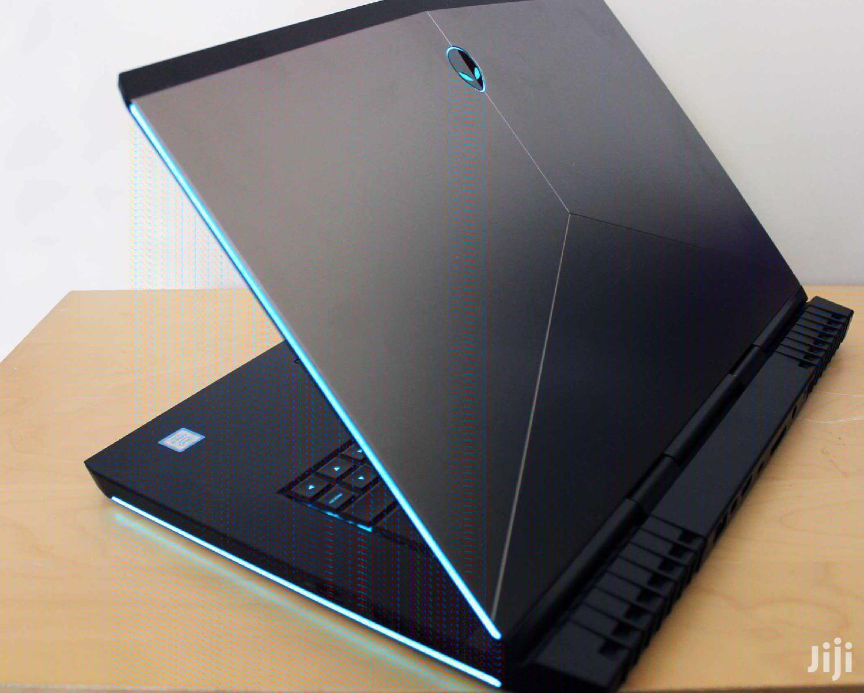 New Laptop Dell Alienware 15 R2 16GB Intel Core I7 SSHD (Hybrid) 1T