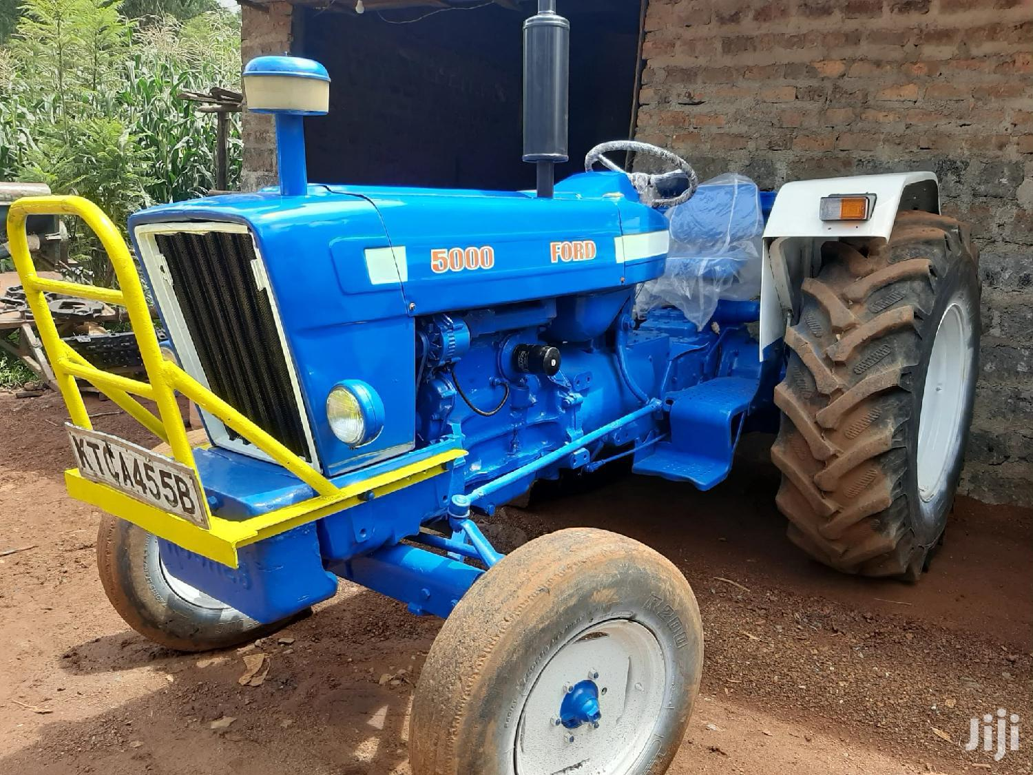 Archive: Tractor Ford