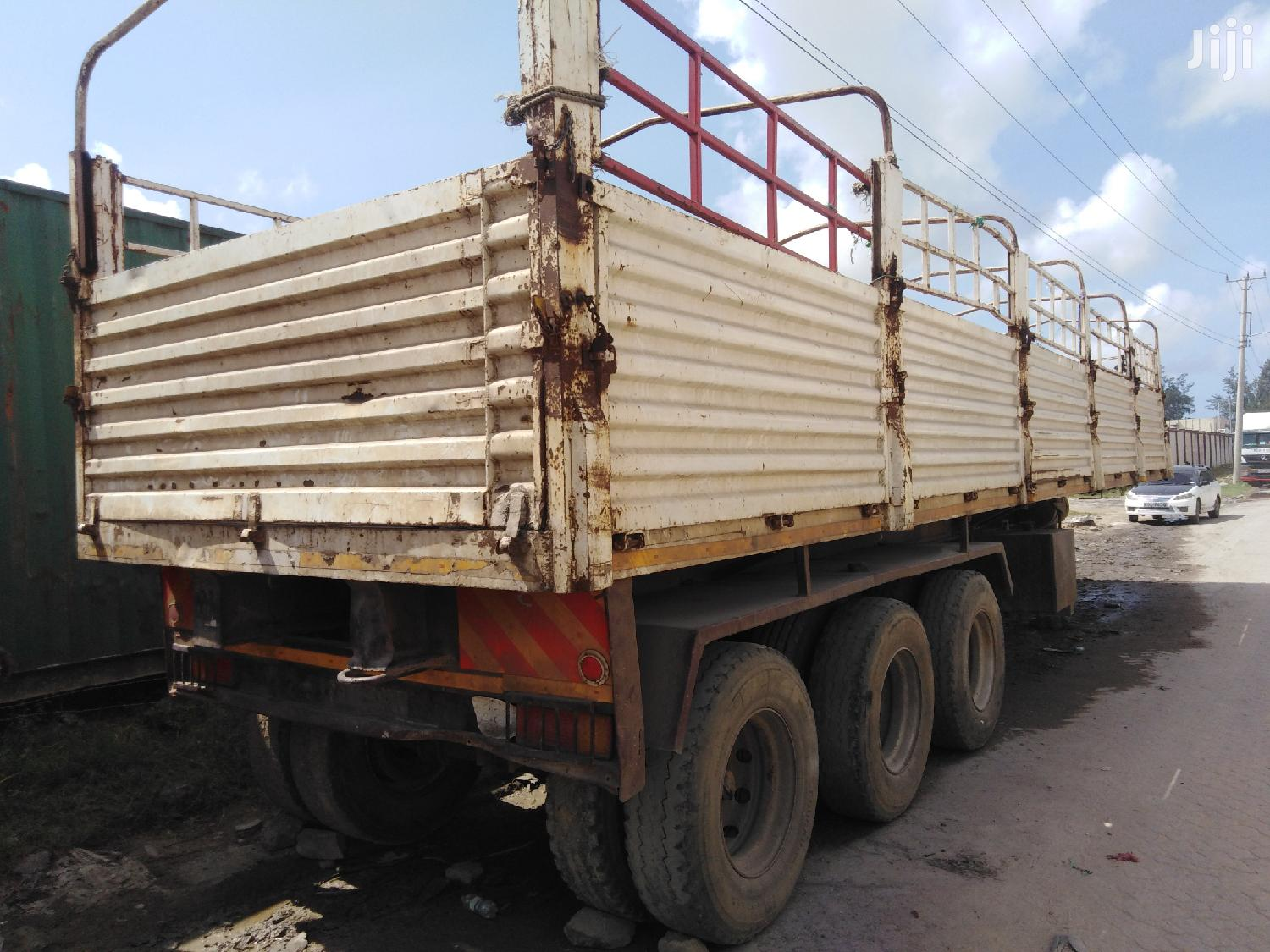 BHACHU Highsided Trailer ZC In Good Running Condition | Trucks & Trailers for sale in Changamwe, Mombasa, Kenya