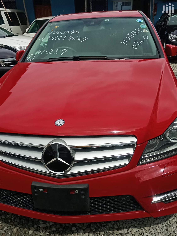 New Mercedes-Benz C200 2013 Red