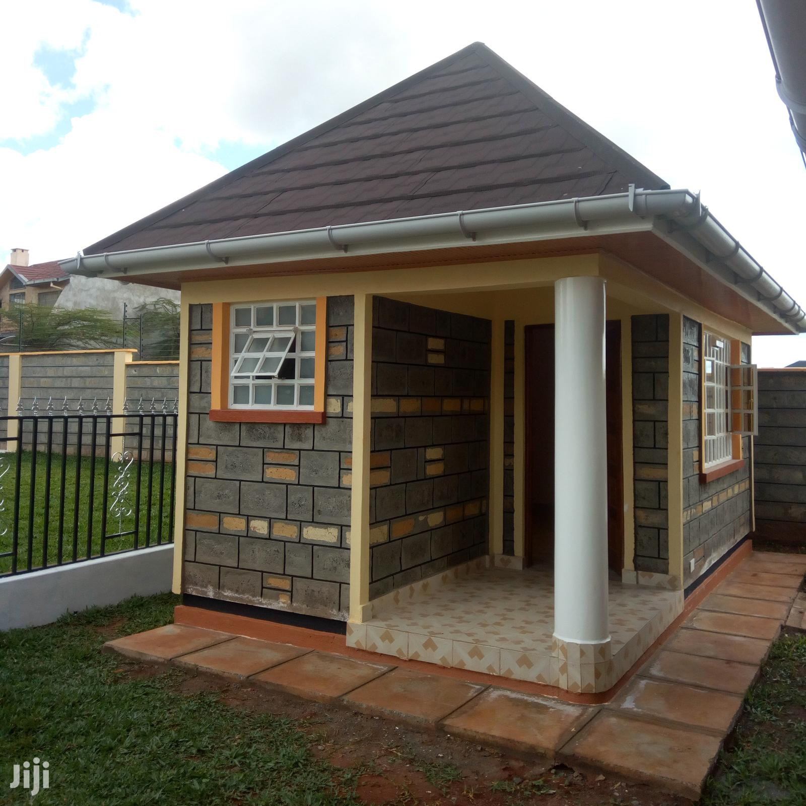 Sarah Gables: 5 Bedroom Maisonettes In Yukos, Kitengela