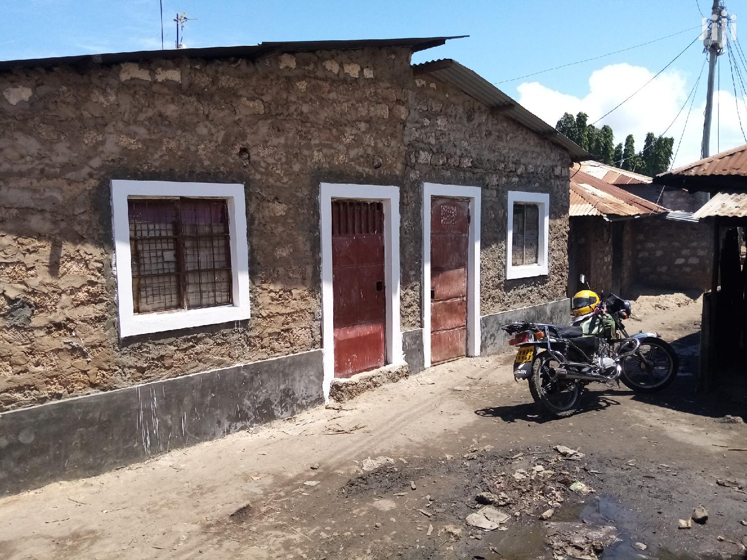 Six Rooms Swahili House For Sale