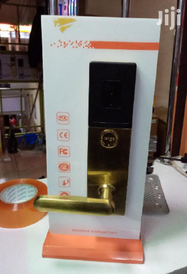 Advanced Finger Print And Card Intelligent Lock