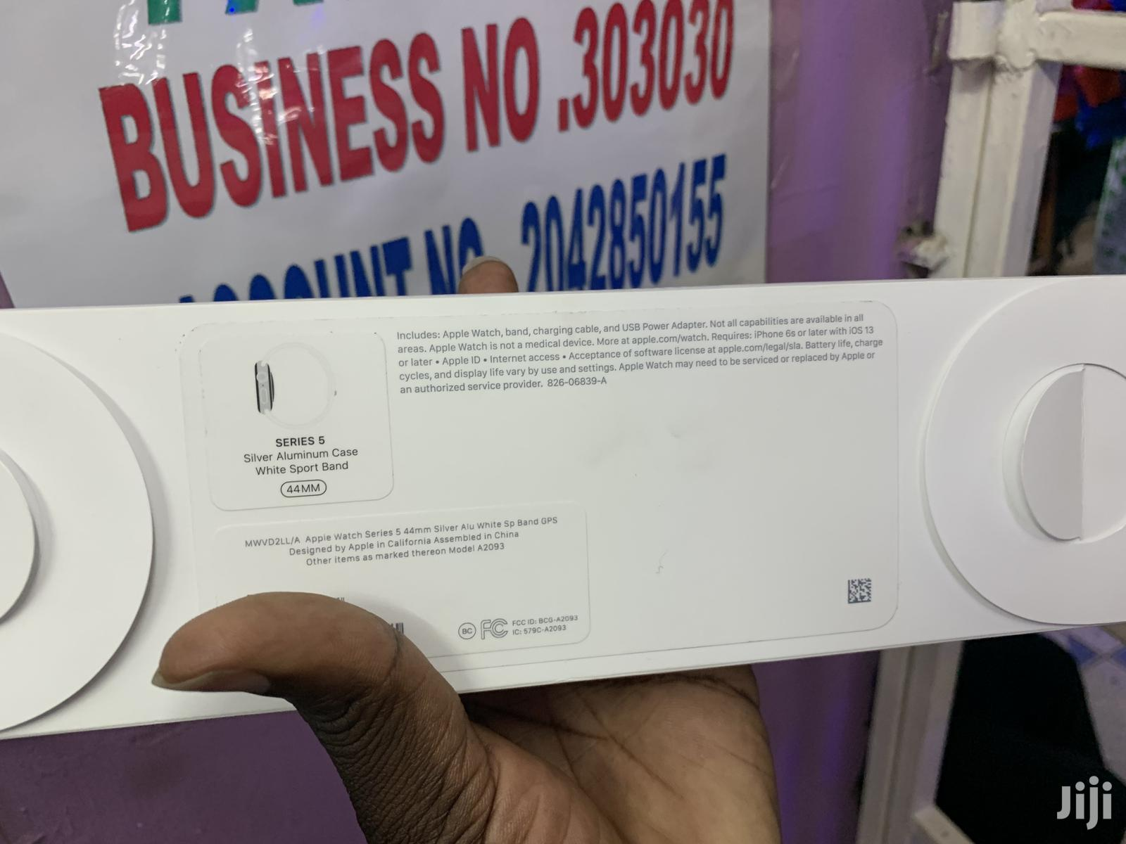 Apple Series 5 44mm Silver   Smart Watches & Trackers for sale in Nairobi Central, Nairobi, Kenya