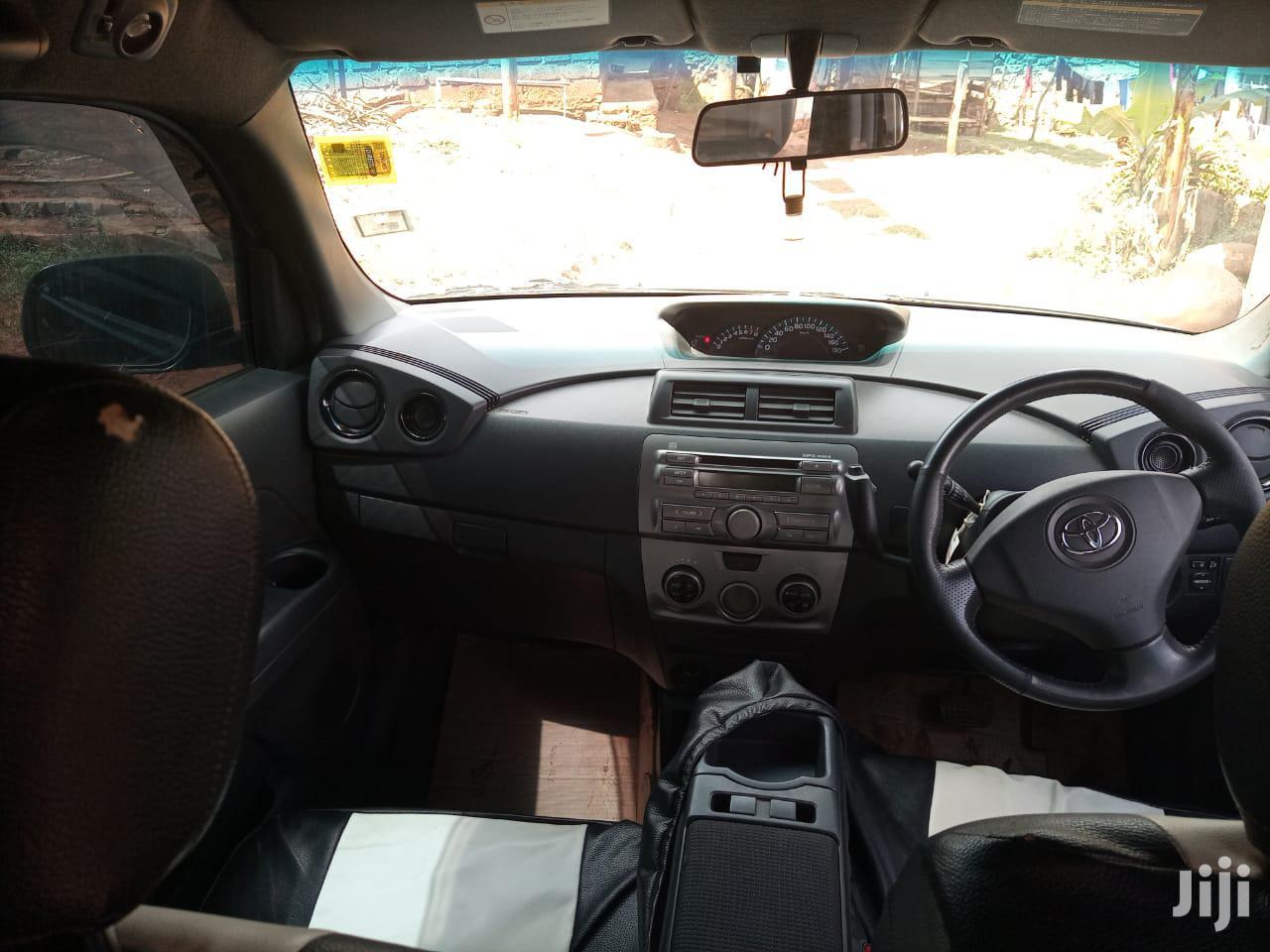 Archive: Toyota bB 2011 Black