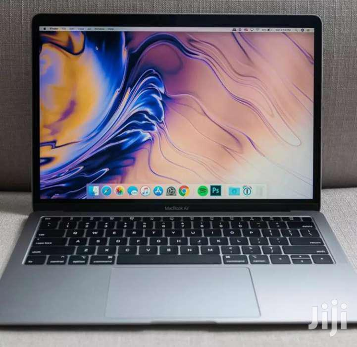 Laptop Apple MacBook 2018 8GB Intel Core i5 SSD 128GB