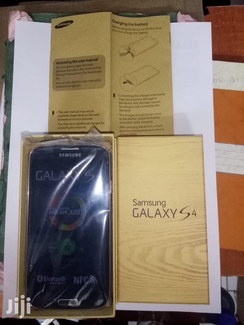 New Samsung Galaxy I9500 S4 16 GB Black