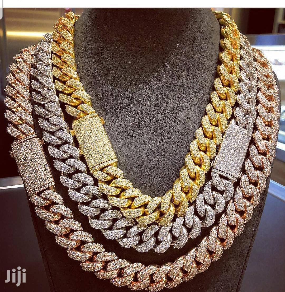Iced Cuban Chain (Gold And Silver)