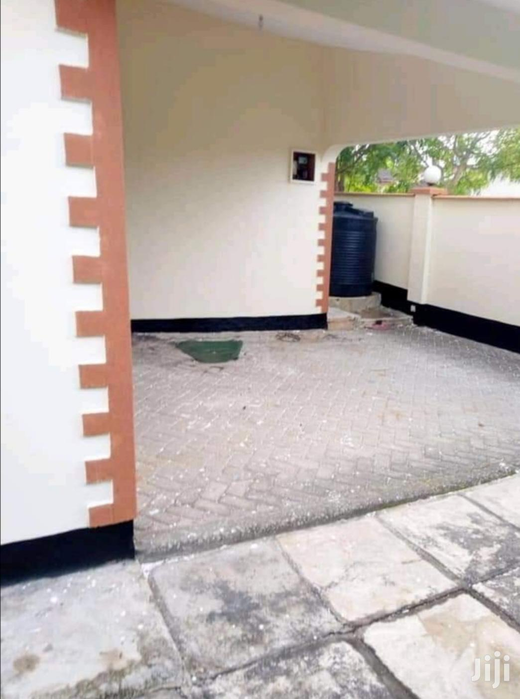 3 Bedrooms Bungalow For Sale | Commercial Property For Sale for sale in Kisauni, Mombasa, Kenya