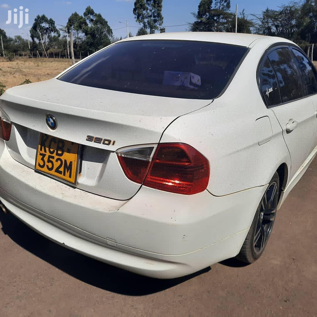 Archive: BMW 320i 2007 White
