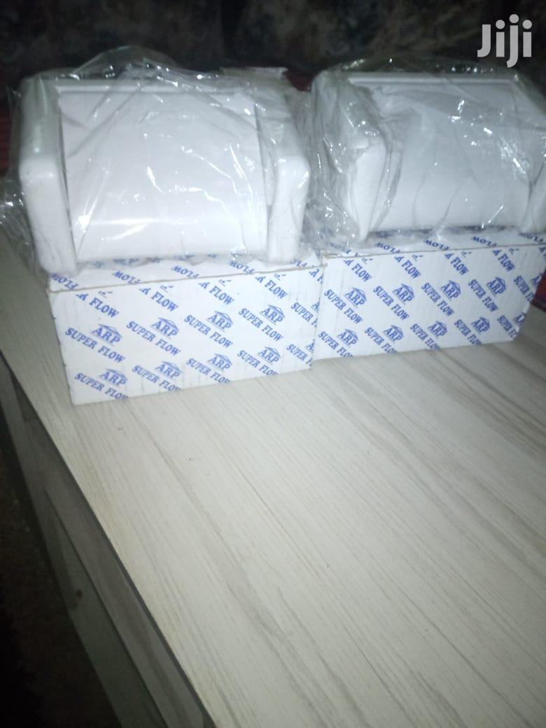 Tissue Holder