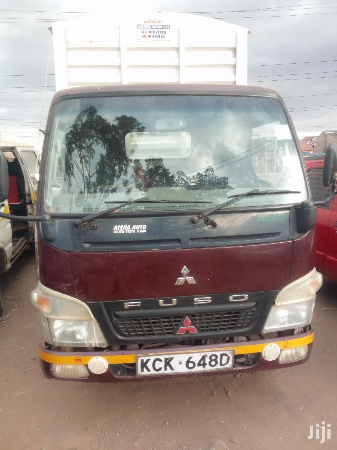 Mitsubishi Fuso Canter 2009 Red