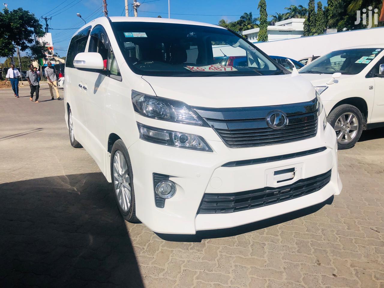 Toyota Alphard 2013 White