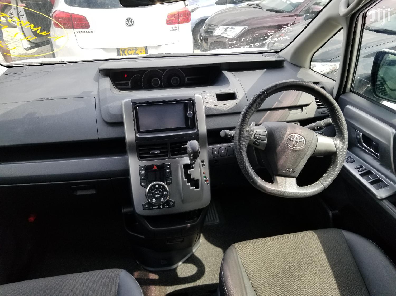 Toyota Voxy 2017 White | Cars for sale in Mvita, Majengo, Kenya