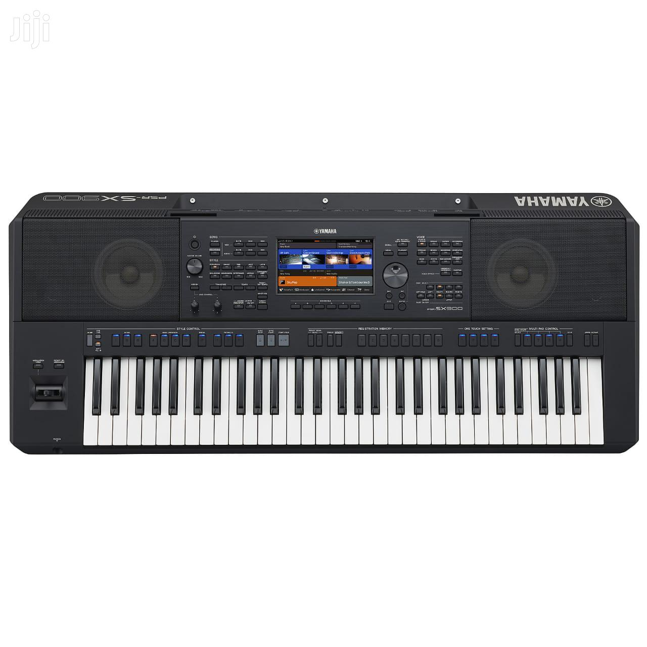 Yamaha PSR SX700 Keyboard