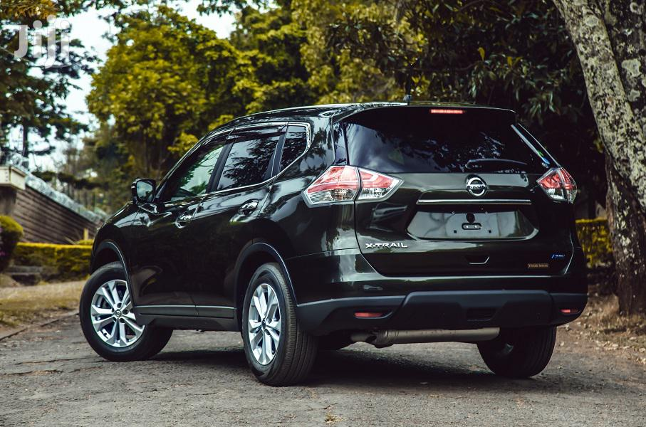 Archive: Nissan X-Trail 2014 Green