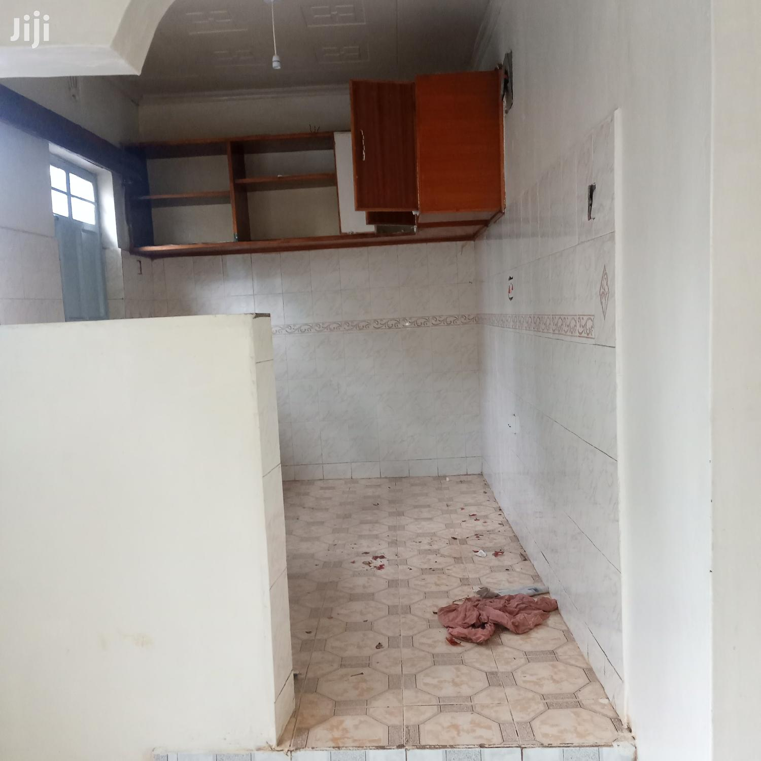 Archive: Three Bedrooms For Rent