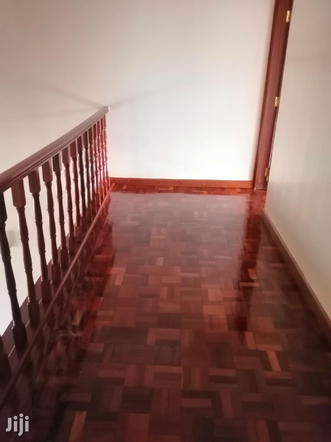 Archive: Three Bedroom Duplex All Ensuite