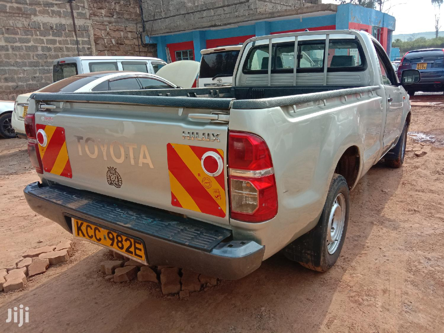Archive: Toyota Hilux 2014 Beige