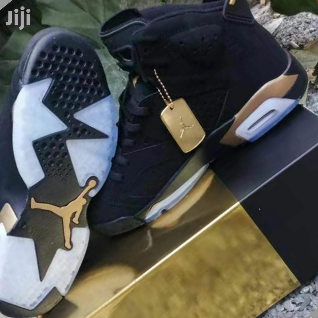 Air Jordan 6 Cactus Jack Sneakers