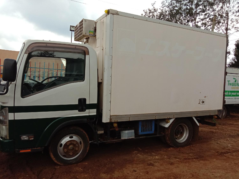Isuzu ELF Truck 2009 White   Cars for sale in Township E, Kiambu, Kenya