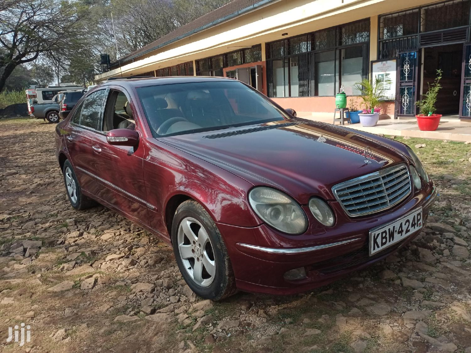 Archive: Mercedes-Benz E200 2008 Red