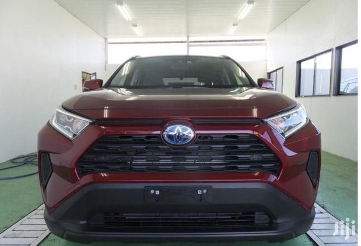 Toyota RAV4 2019 XLE Premium AWD Red