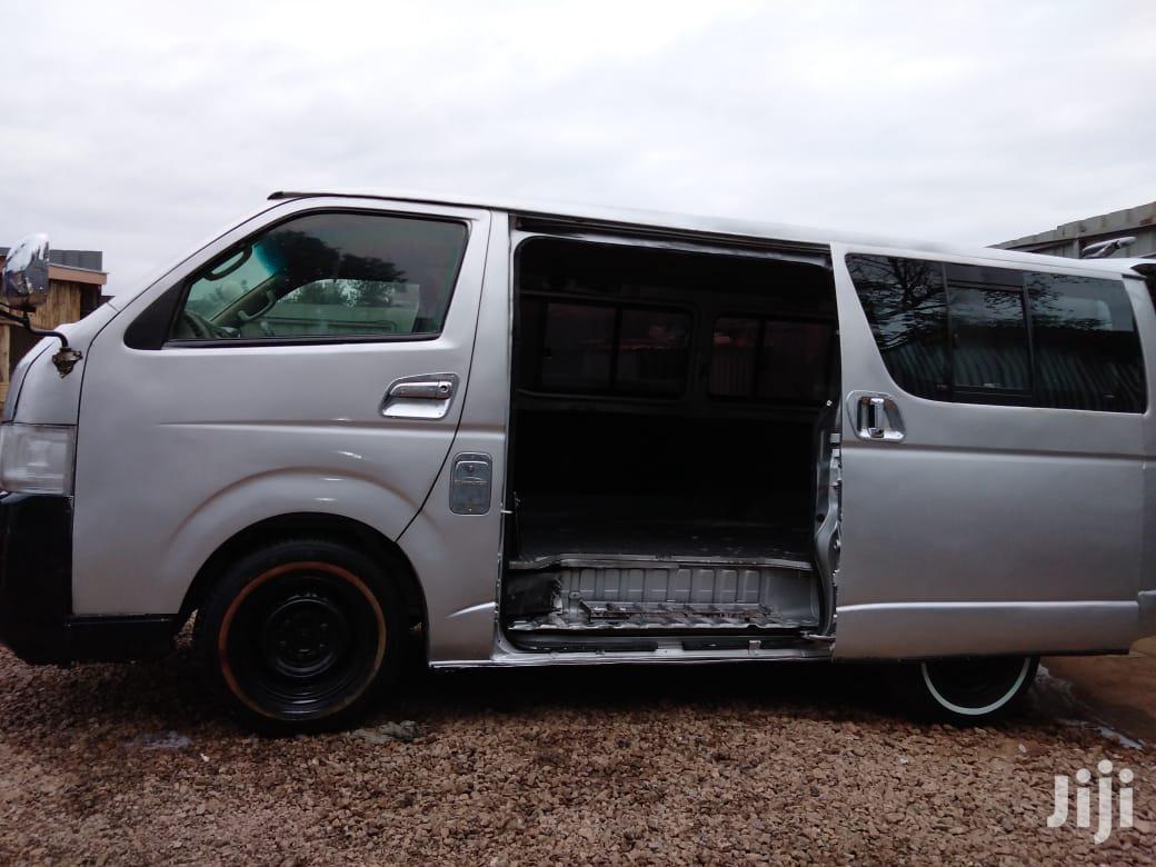 Toyota Hiace 2009 Gray
