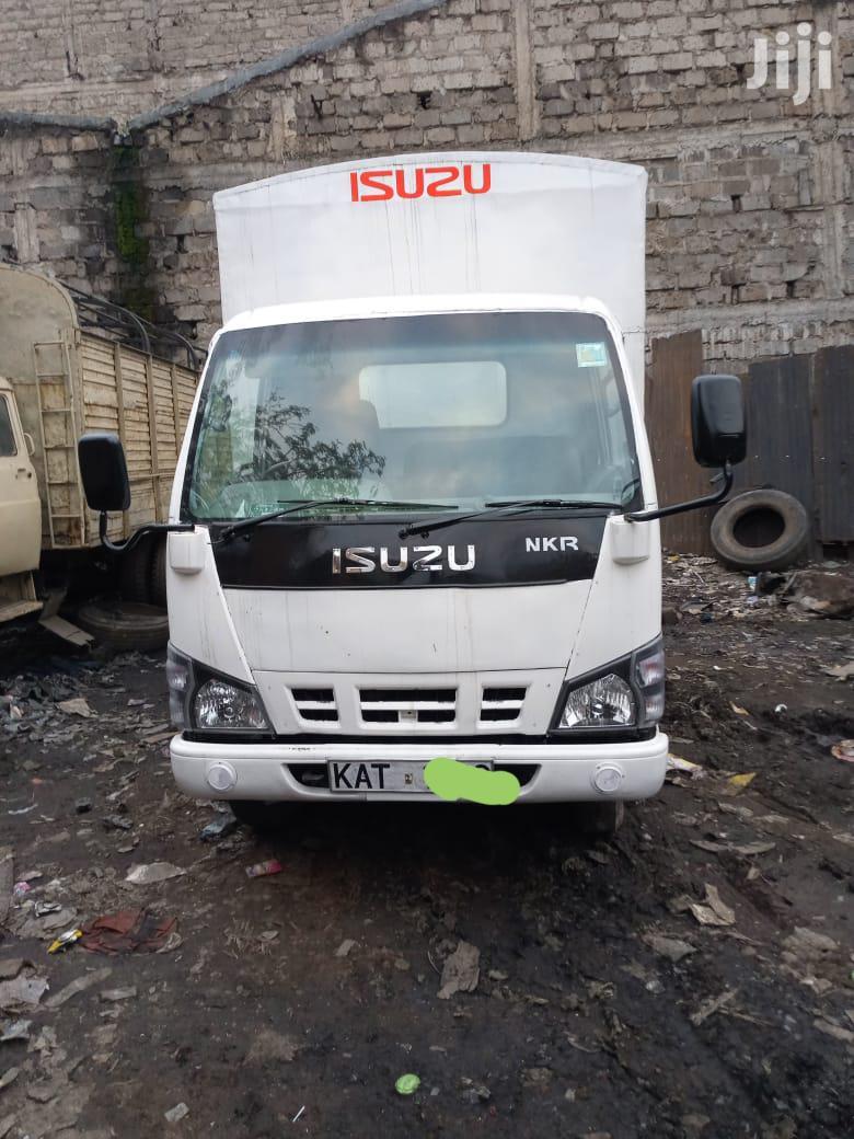 Quick Sale Isuzu Nkr | Trucks & Trailers for sale in Umoja I, Nairobi, Kenya