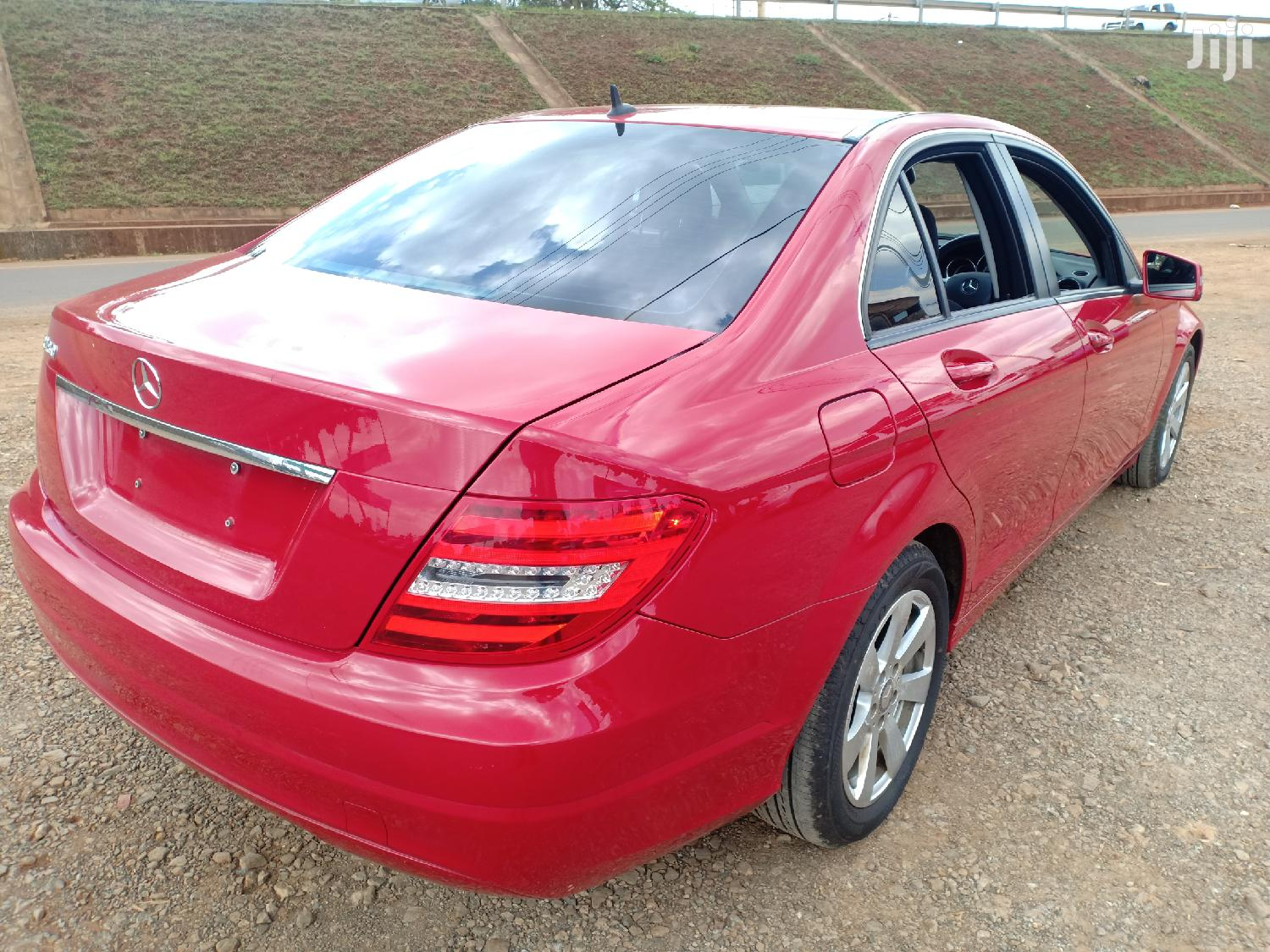 Archive: Mercedes-Benz C180 2013 Red