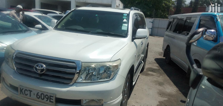 Toyota Land Cruiser 2012 White