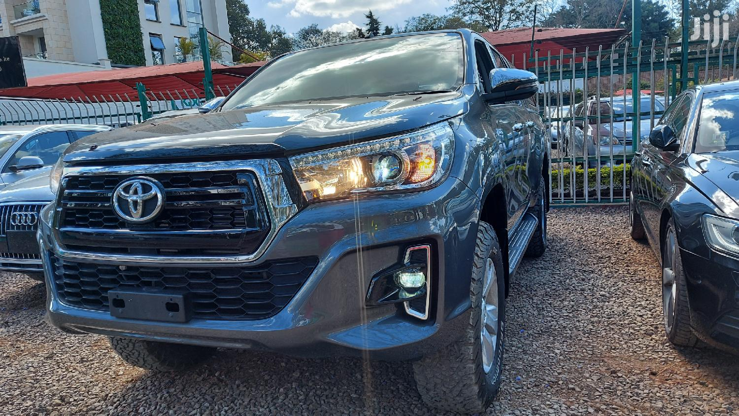 Toyota Hilux 2017 SR 4x4 Gray | Cars for sale in Kilimani, Nairobi, Kenya