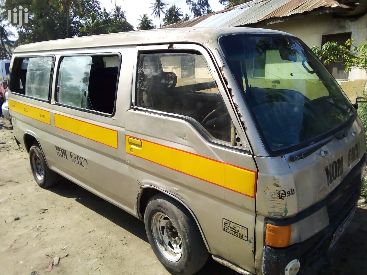 Nissan Urvan 2002 White For Sale | Buses & Microbuses for sale in Kisauni, Mombasa, Kenya