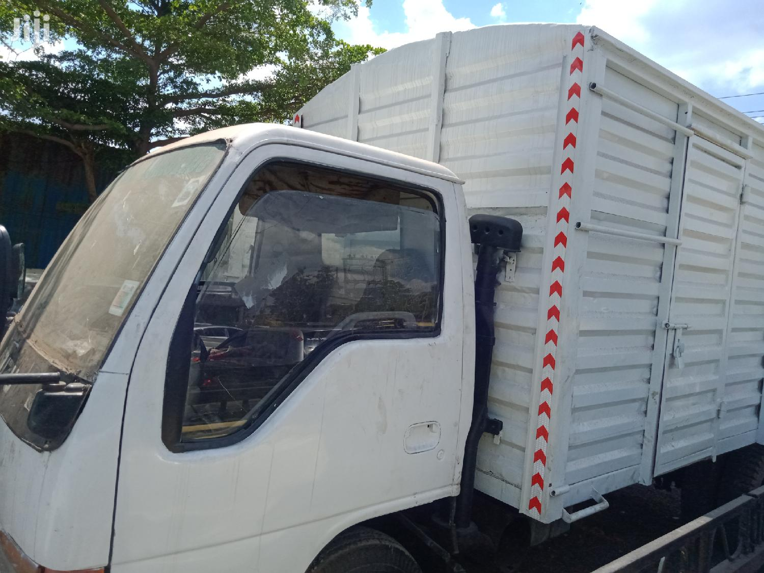 Isuzu NKR 2005 White | Trucks & Trailers for sale in Komarock, Nairobi, Kenya