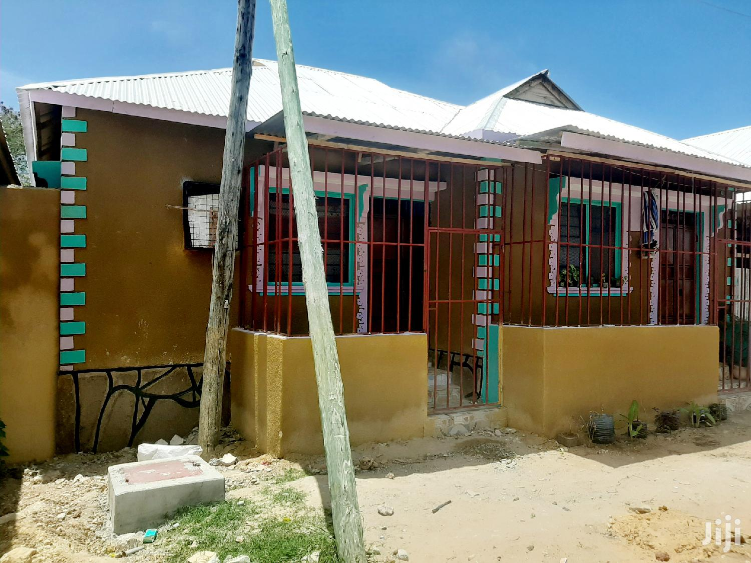 Investment 6 Bedsitters For Sale In Bamburi,Mtambo