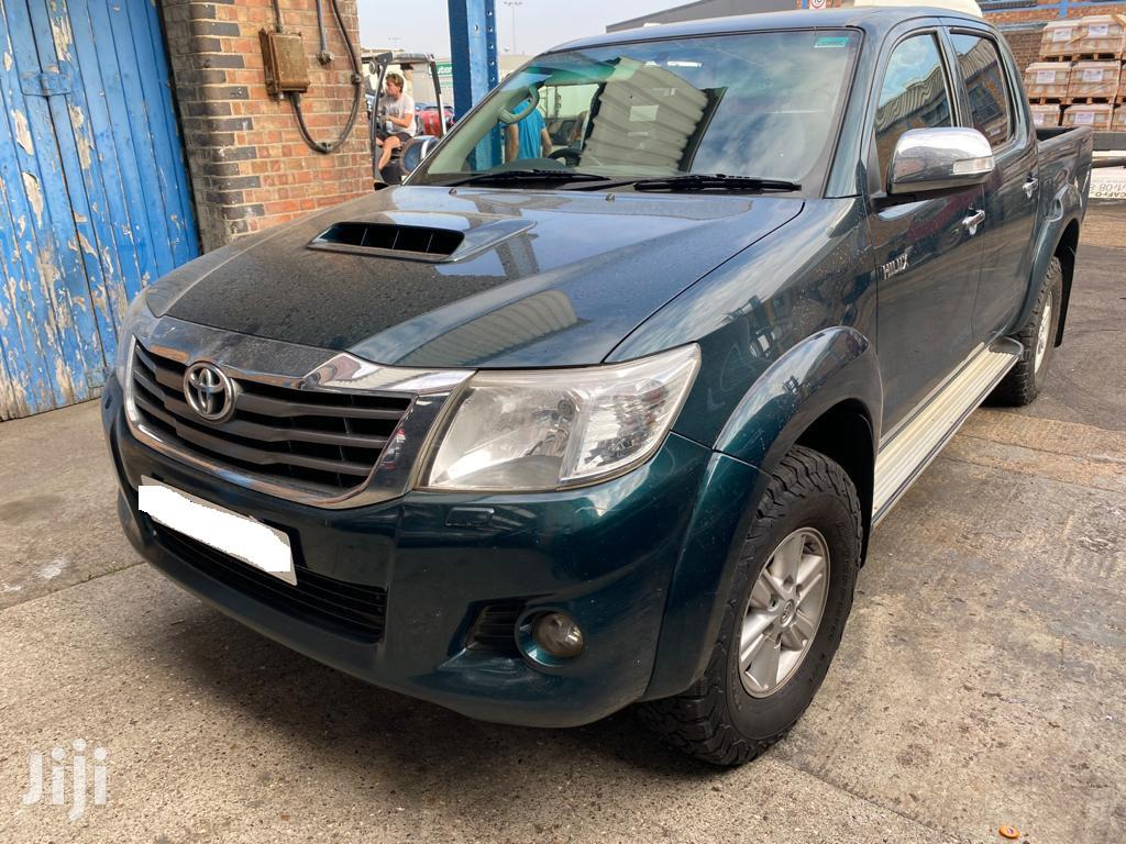Toyota Hilux 2013 Green