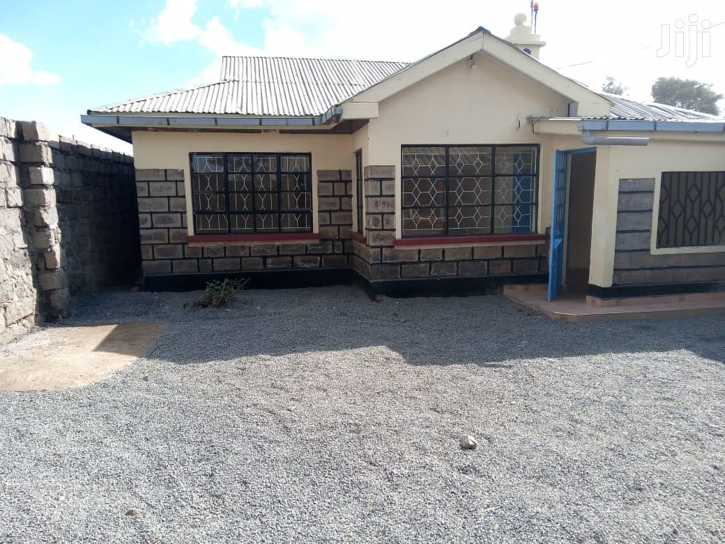 Kamakis 3 Bedroom Master Ensuite With Own Compound