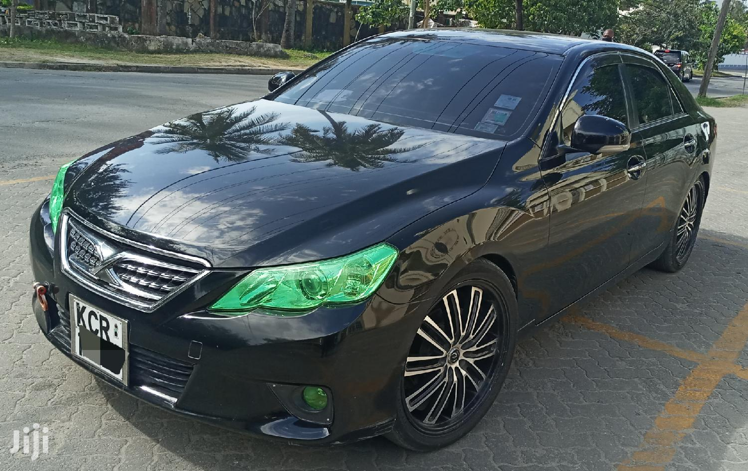 Archive: Toyota Mark X 2011 Blue