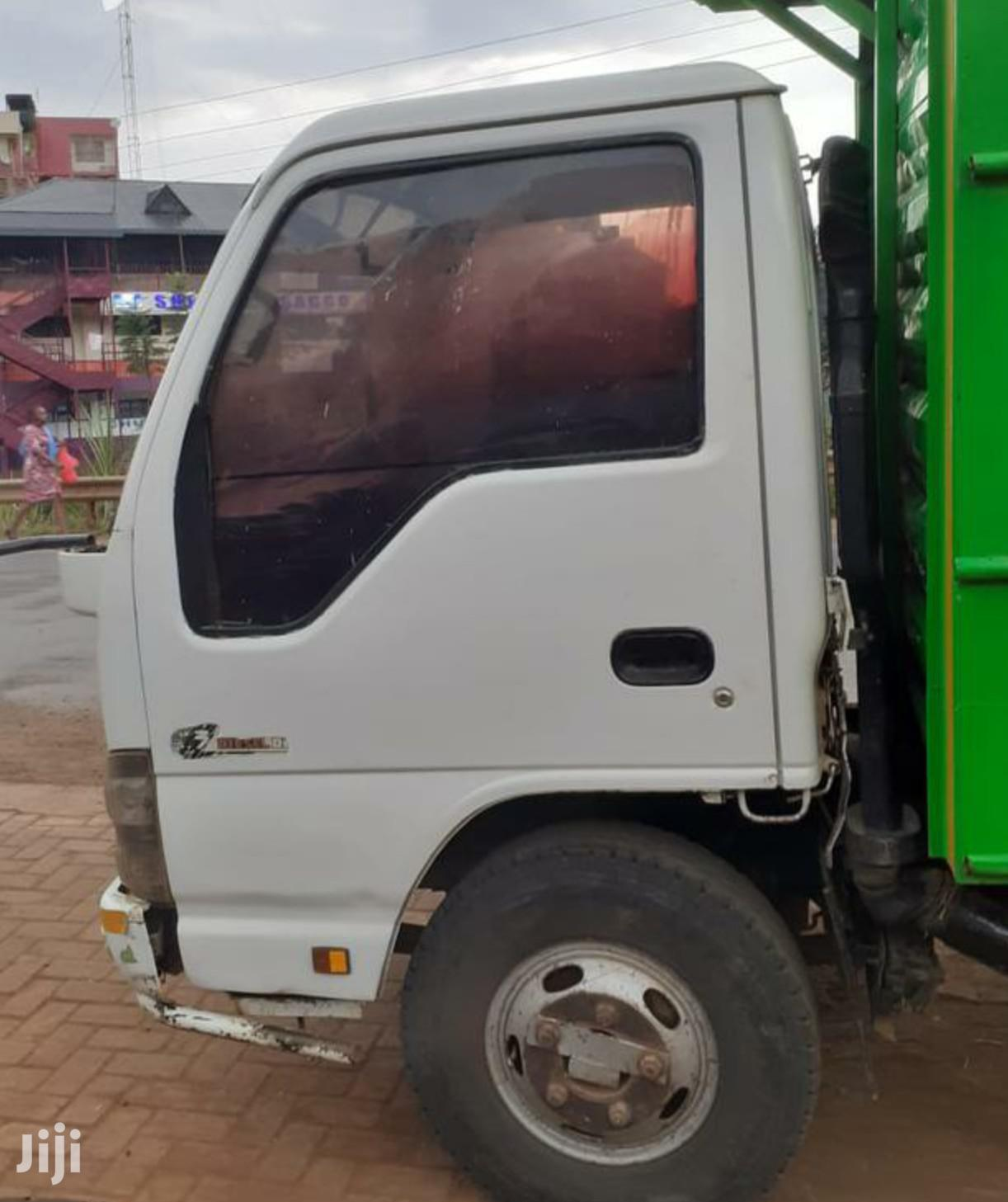 Archive: Extremely Clean Isuzu Nkr 4.3 2006 White For Sale
