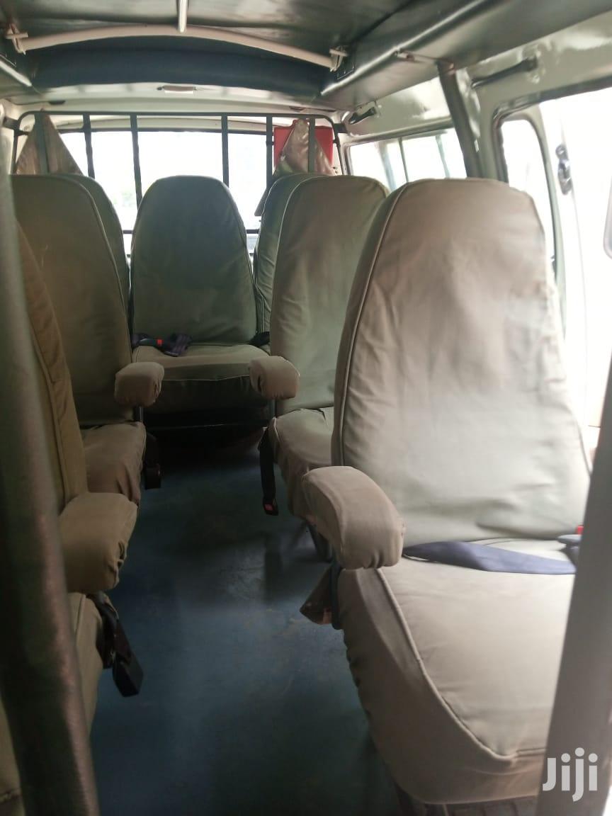 Archive: 2004 Toyota Hiace 5L Tour Van