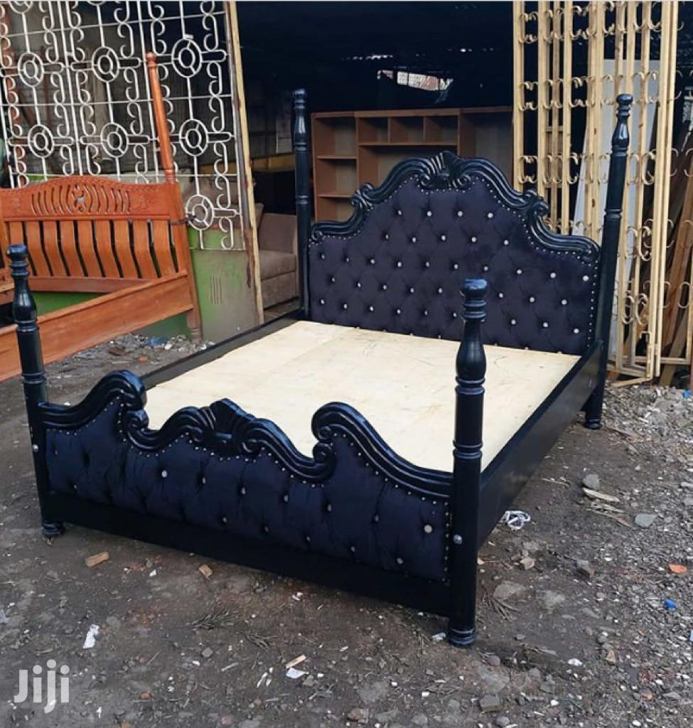 6*6 Deep Button Bed With Stands