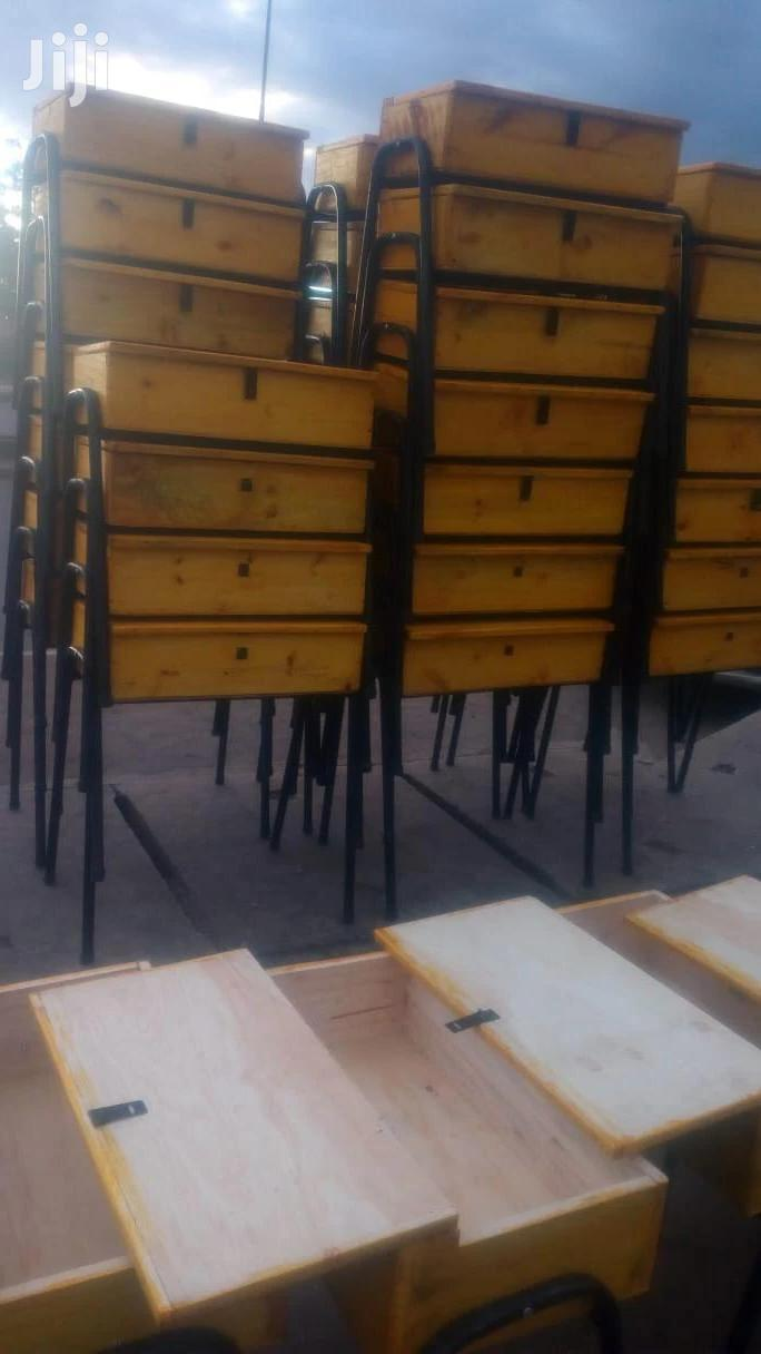 Shool Chairs And Lockers