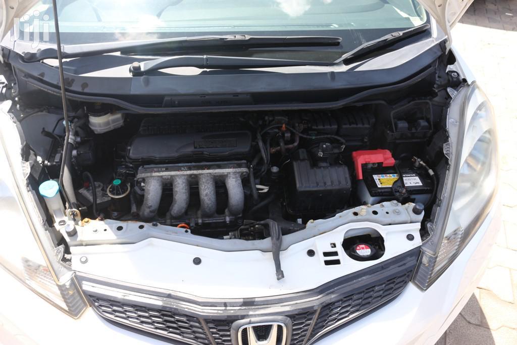 Archive: Honda Fit 2012 White
