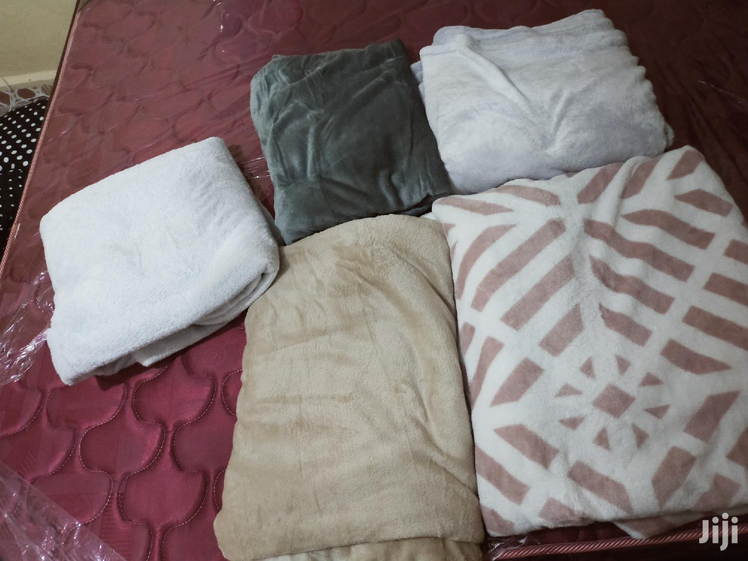 Archive: Fluffy Blankets