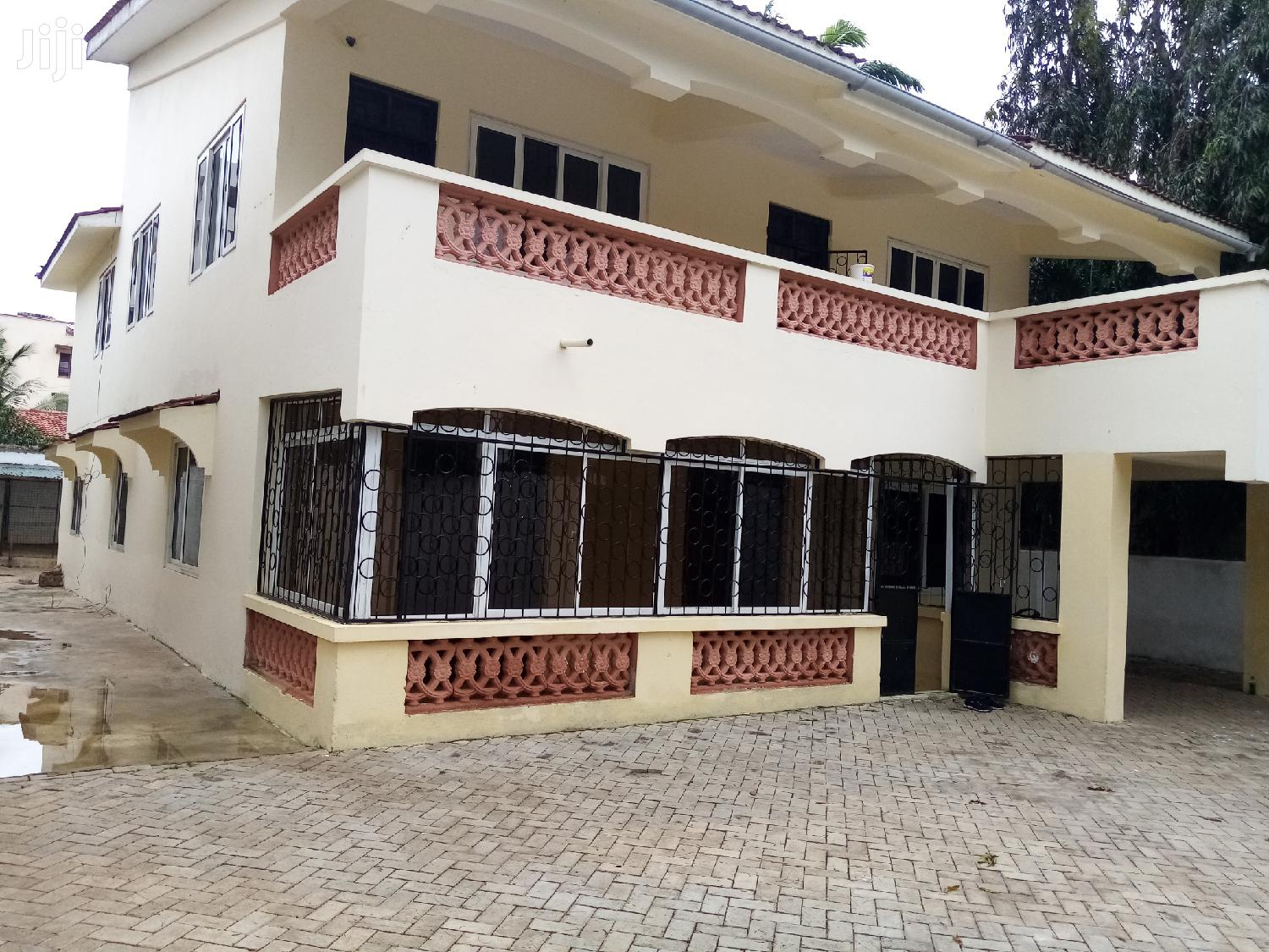 4 Bedroom Massionate Own Compound in a Secure Location Rent