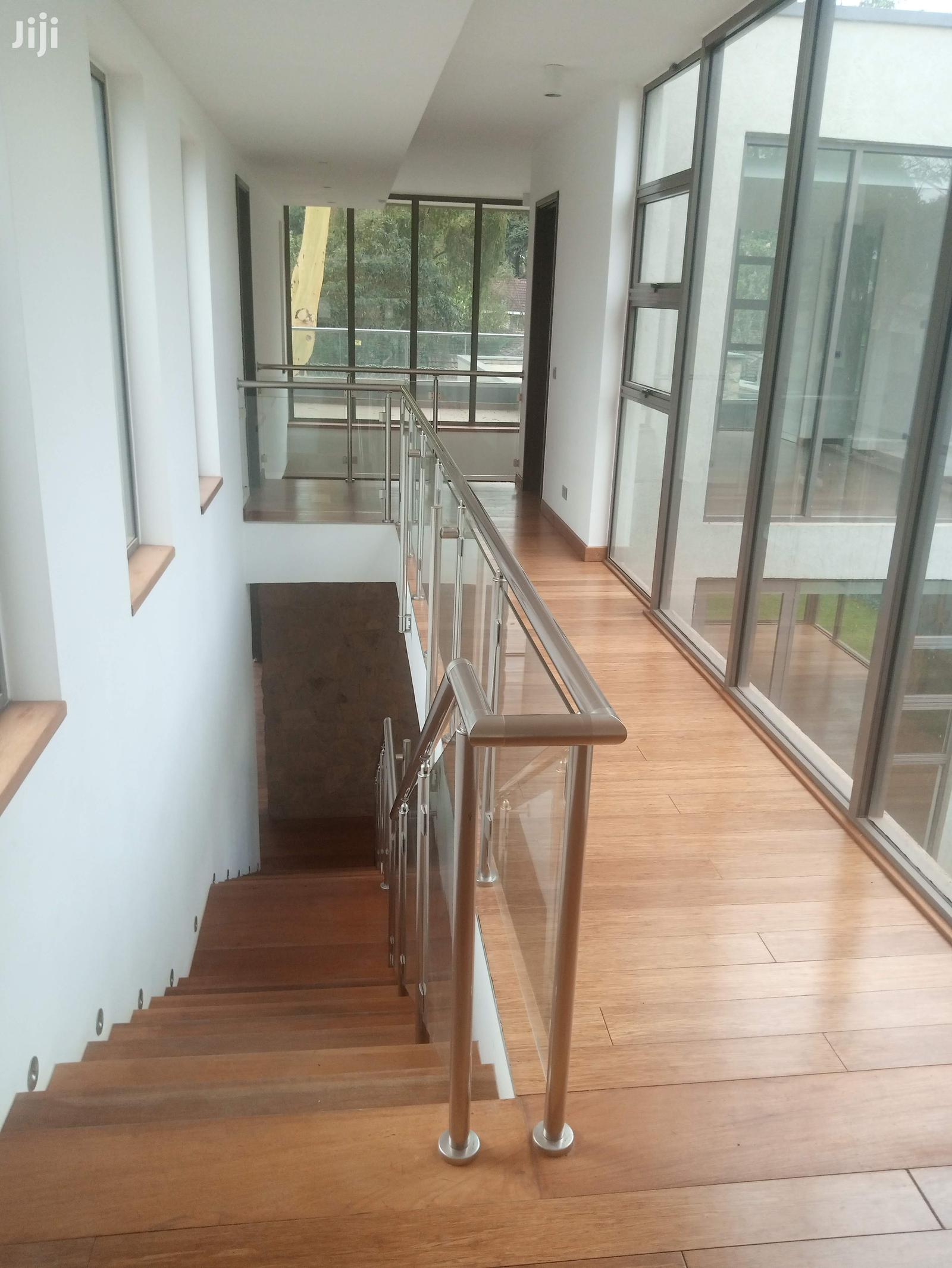 Archive: 5 Bedroom All Ensuite In Karen Miotoni