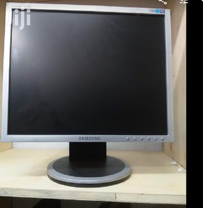 17 Inches Monitor Very Clean Samsung Acer Beng