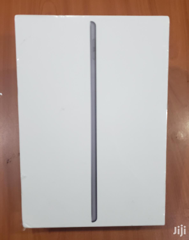 New Apple iPad 10.2 (2020) 128 GB Gray