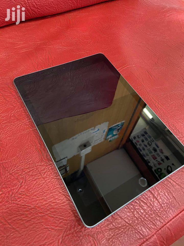 Apple iPad 9.7 128 GB Black