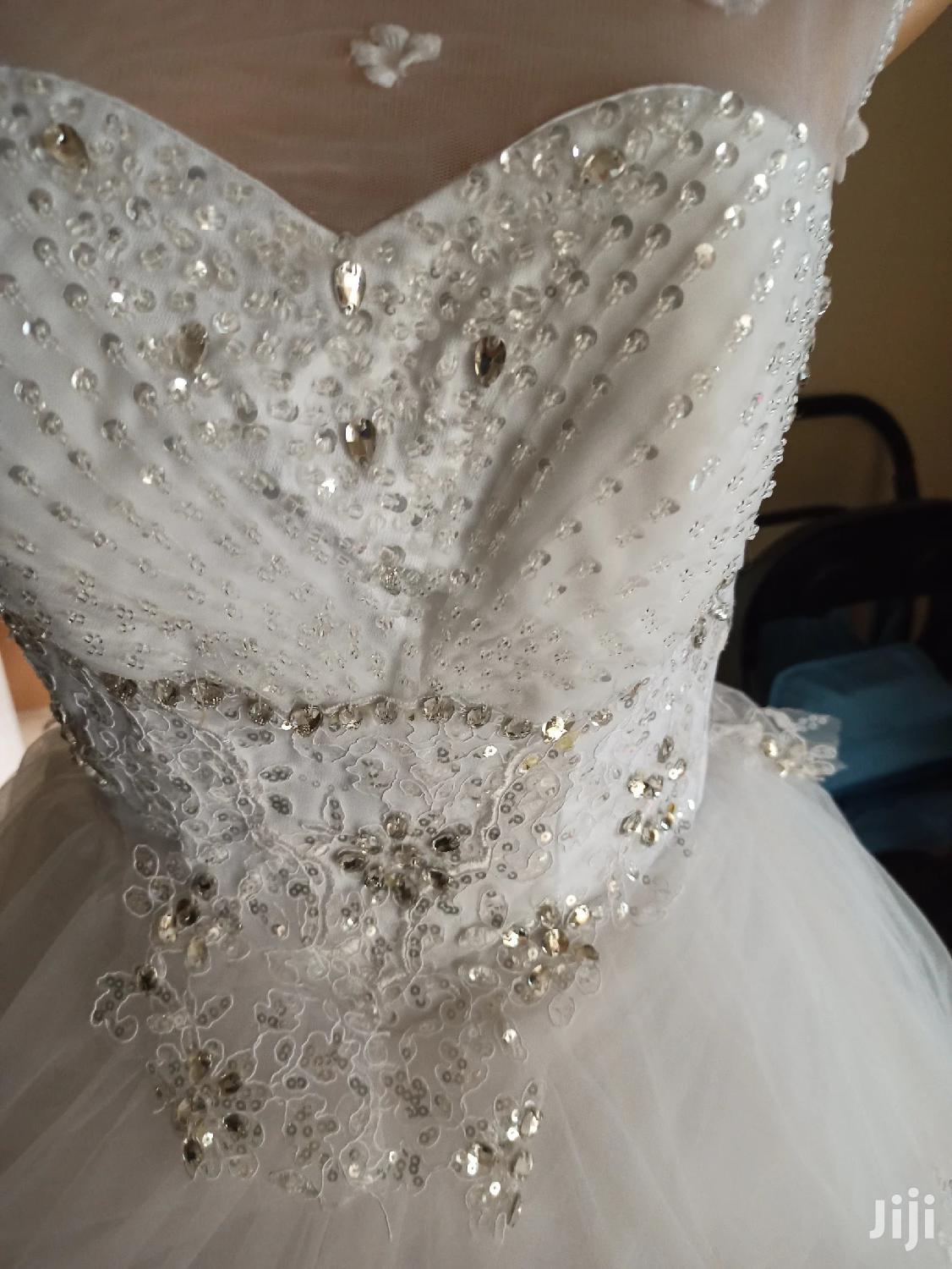 Archive: Wedding Gown for Sale